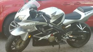 MINT, LOW KMS  2001 Honda CBR 600F4i