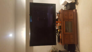 2 TVs and wall mount for sale