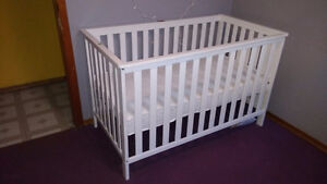 As New 2016 White Storkcraft 3 in 1 Crib