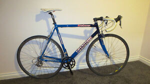 56cm Cannondale Road Bike with Ultegra Components