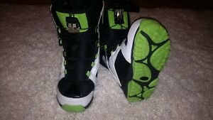 Sims snowboard boots youth size 2.5 US