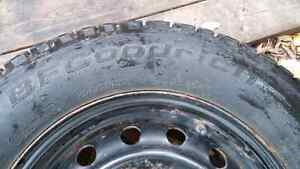 4 excellent winter tires on rims BF Goodrich 205/70 R15 West Island Greater Montréal image 2