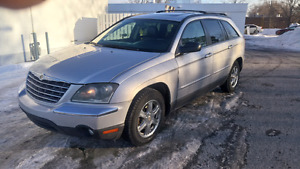 Beautiful 2004 Chrysler Pacifica Awd fully loaded