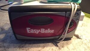 Easy Bake Oven + Cake Decorator for icing