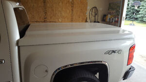 Hard Tonneau Cover. Leer. For 2007 to 2013 GM Shortbox