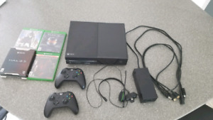 Xbox One 500gb w/ two controllers, headset, all cords and four g