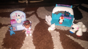 Playsets - Doc McStuffins and Polar Bear