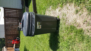 Big garbage can with wheels
