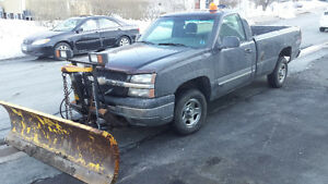 2003 CHEVROLET SILVERADO 1500 WITH  7 1/2 FT PLOW
