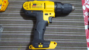 Cordless Compact drill and driver kit almost new - DEWALT- $100