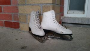 Girls Skates Patins pour fille (fits shoe size approx 3-4)