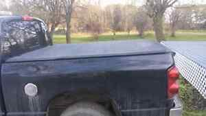 Tonneau cover for Dodge