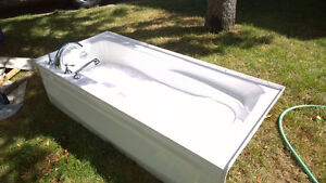 Reduced! Crane brand 6ft Acrylic tub and Roman Deck Taps
