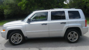 2009 Jeep Patriot Limited, 4x4, 172Km, 2 sets of tires , Etested