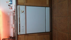 GE Dishwasher for sale in good working condition.