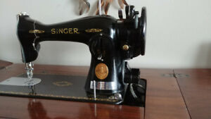 Vintage Antique Singer Sewing Machine - Model 15-91 with Desk