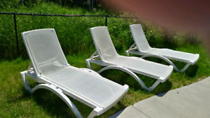 Set of 3 Lounge Chairs (outdoor)
