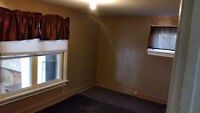 Lovely 2 Bedroom Upper Apartment Beautiful Downtown Essex
