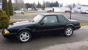 LOOKING FOR: 94-04 MUSTANG INTERIOR