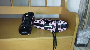 Soulier de soccer pour fille Nike