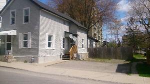 Quiet 3 Bedroom House - Downtown Brockville