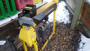 4 Ton Power Fist Log Splitter on Stand