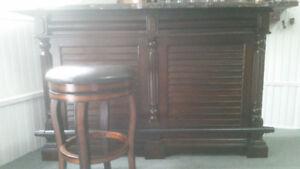 Bar et tabouret