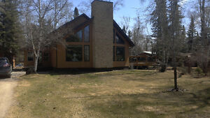 Stunning Year Round Custom Built Home in Lake of the Woods