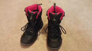 Columbia Techlite Snow Boots (Woman Size US6.5)