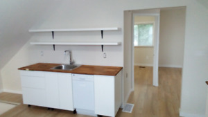 Renovated, furnished 1 bedroom in central Oshawa.