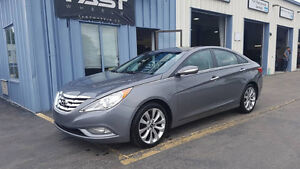 2011 Hyundai Sonata limited 2.0T Sedan Accident Free!!