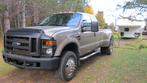Ford F-350 Super Duty 4X4 Truck with Duallies (30,000 miles!)