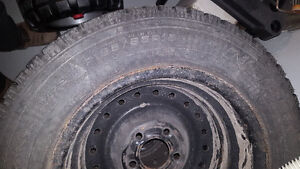 V.Good condition Goodyear winter tire 195/65R15 Belleville Belleville Area image 1