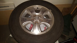 Set of 4 P225/70 R16 summer Tires with Alloy rims for sale