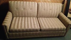 Sofa-lit en parfaite condition (environnement propre)