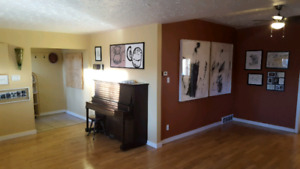 Mature Renters wanted. Central location Jan 1/18