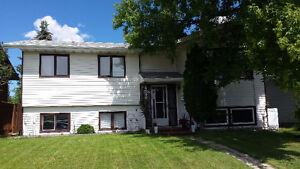 Millwoods Home with In-law Suite Near Gurdwara Millwoods \