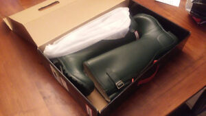 Brand new in box - Hunter boots - size 6
