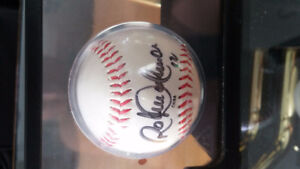 SELLING Roberto Alomar signed Baseball with card Kitchener / Waterloo Kitchener Area image 1