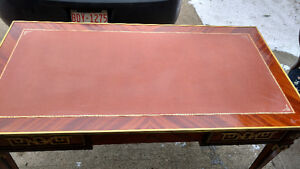 Ornate with 3 drawers office desk with leather top insert Edmonton Edmonton Area image 3