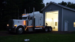 2005 peterbilt 379 (low original kms)