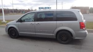 2013 Dodge Grand Caravan black top Minivan, Van