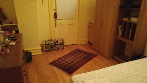 Room available on Queen Mary - Snowdon Metro