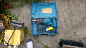 Makita core drill and bits