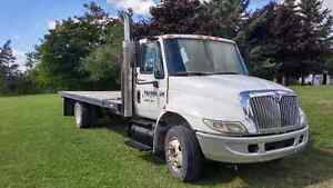 2002 international 4300 Automatic G licence OK,PRICED TO SELL Kitchener / Waterloo Kitchener Area image 2