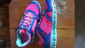 New girls sneakers size 4.5