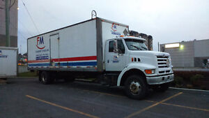1998 Ford TRUCK STRAITHBODY WITH 30 FEET BOX