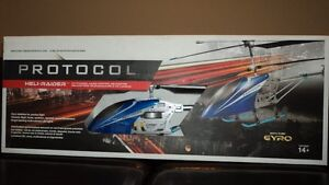 """BRAND NEW, $60 (or best offer) """"Heli-Raider"""" RC Helicopter!!! London Ontario image 9"""