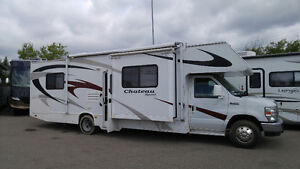2008  Class C Chateau Sport 31 ft with 2 slides
