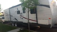 2011 Sportsman 32 FT vacation trailer  REDUCED